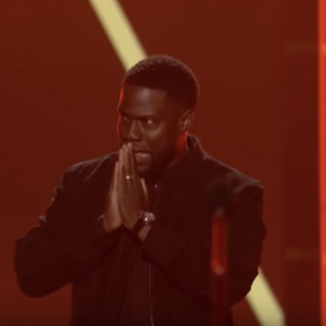 Kevin Hart Gives Glory To God At First