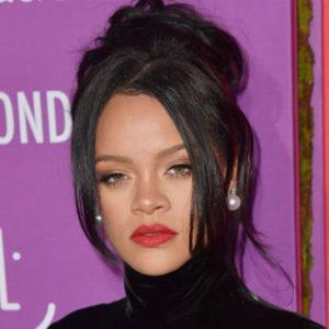 Rihanna Announces That She's